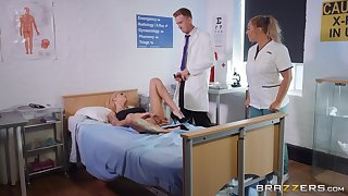 Bonnie Rotten gets fucked by hard doctor's dick in the hospital's room